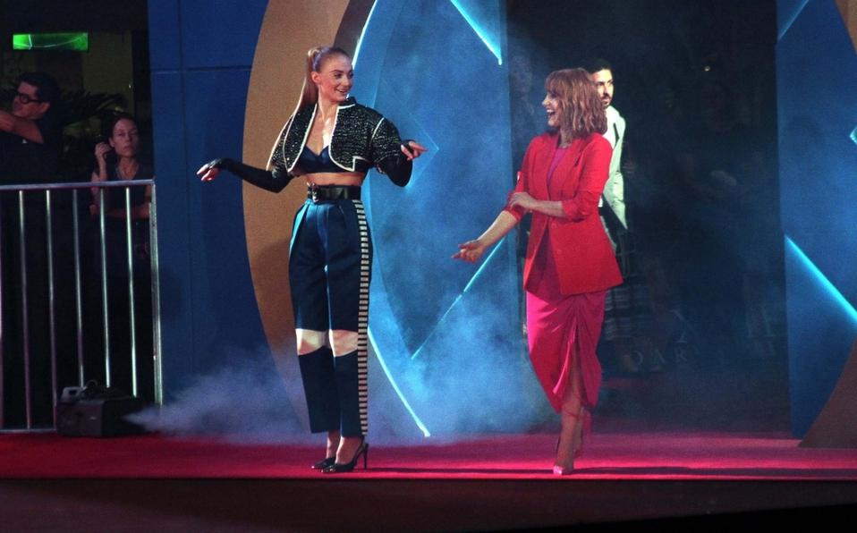 """Sophie Turner y Jessica Chastain llegan a México por """"X-Men Dark Phoenix"""""""