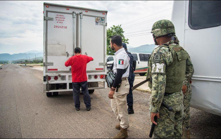 Localizan a 65 migrantes de la India abandonados en Veracruz